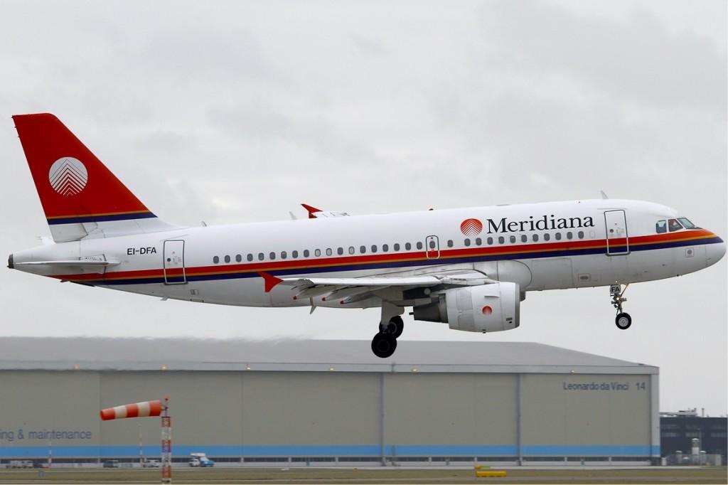 Meridiana_Airbus_A319_KvW