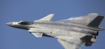 Kina predstavila novi borbeni avion J-20